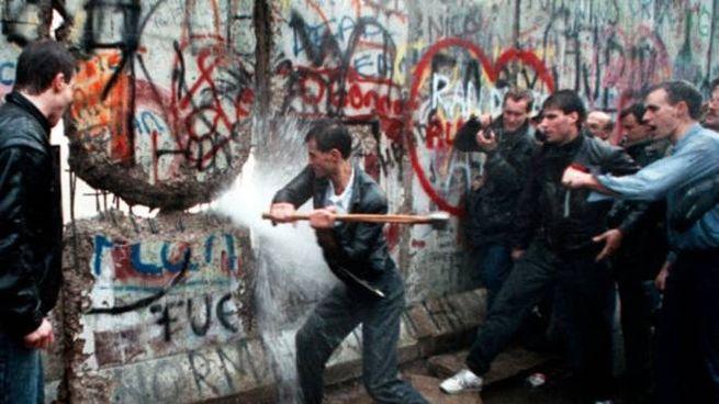 Mostra Revolutions a Rimini