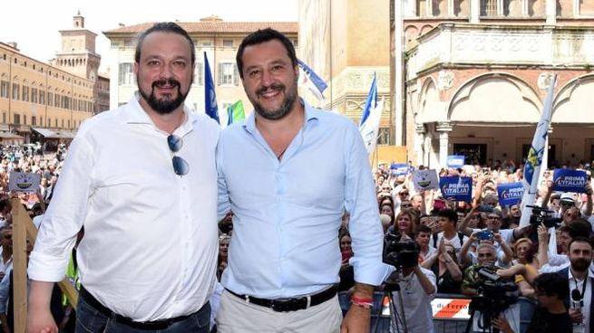 Ferrara, Alan Fabbri con Matteo Salvini (Ansa)