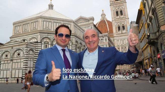 Rocco Commisso in piazza del Duomo con il figlio Joseph (foto esclusiva Riccardo Germogli)