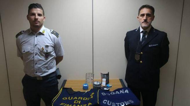 La droga sequestrata all'aeroporto di Bologna