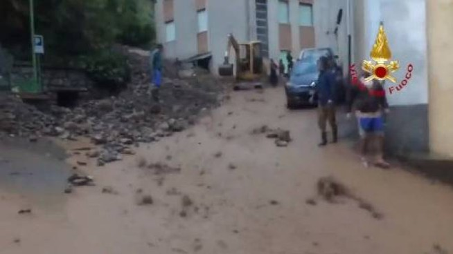 Maltempo nel Bresciano, un frame di un video dei vigili del fuoco