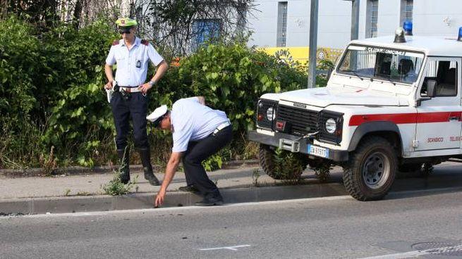 I rilievi della polizia municipale sul luogo dell'incidente (foto Germogli)