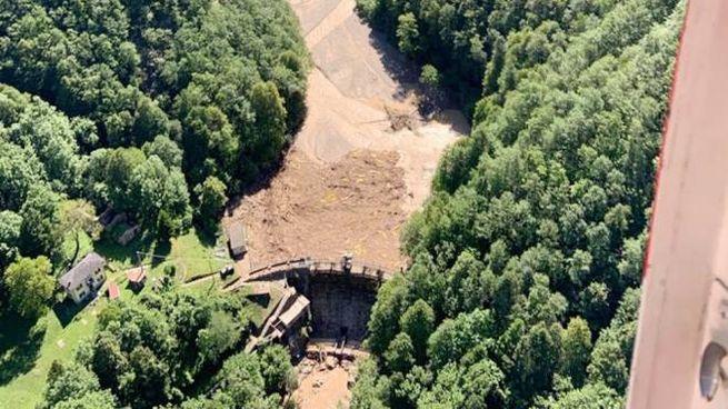 La diga di Pagnona vista dall'elicottero