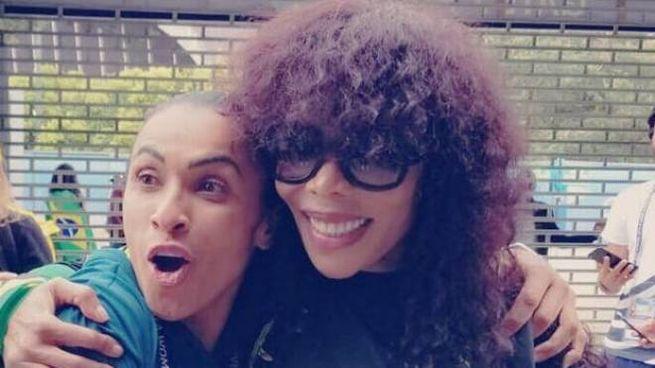 Cedella Marley con l'attaccante del Brasile Marta De Silva (Facebook)
