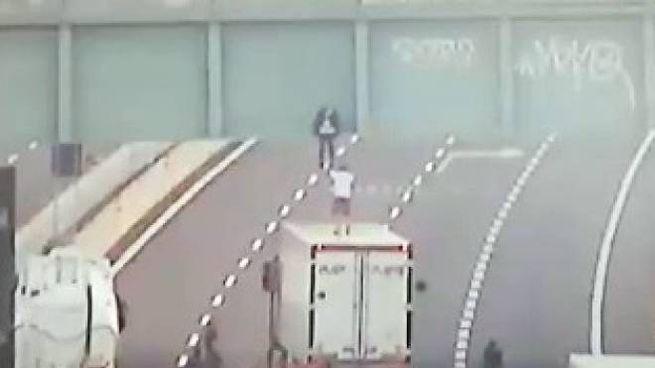 Il salvataggio in autostrada