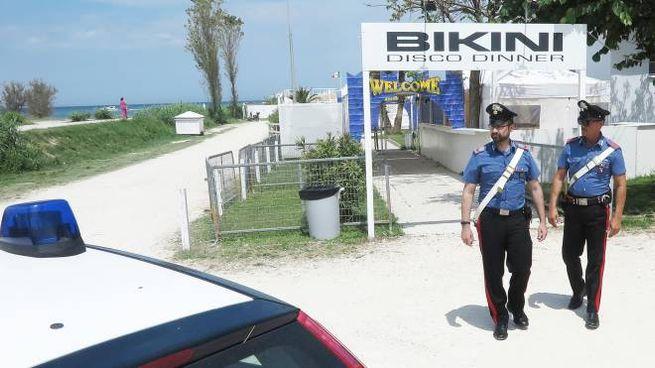 I carabinieri intervenuti dopo l'accoltellamento al Bikini (Migliorini)