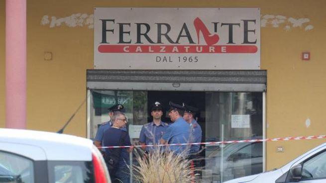 Omicidio a Carini, il negozio dove si è consumata la tragedia (Ansa)