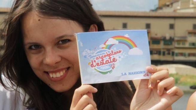 Firenze, bandierina giornata arcobaleno