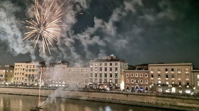 La luminara e i fuochi (Foto Comune di Pisa)