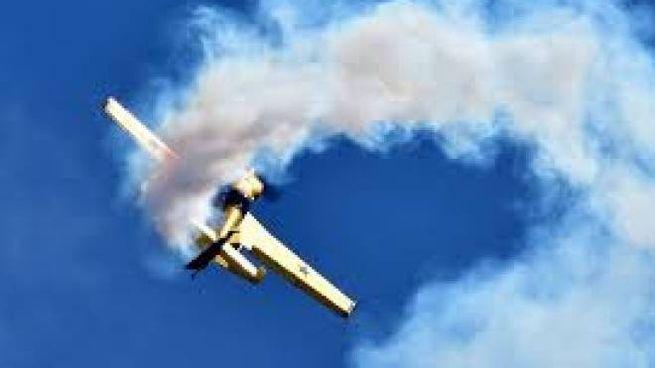 Il volo acrobatico di Andrea Pesenato.