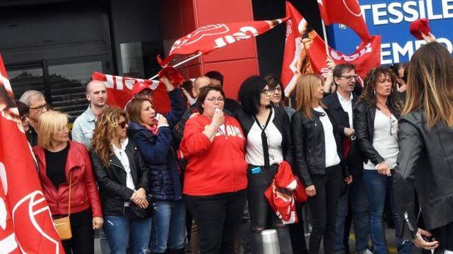 Protesta dei lavoratori di Mercatone Uno