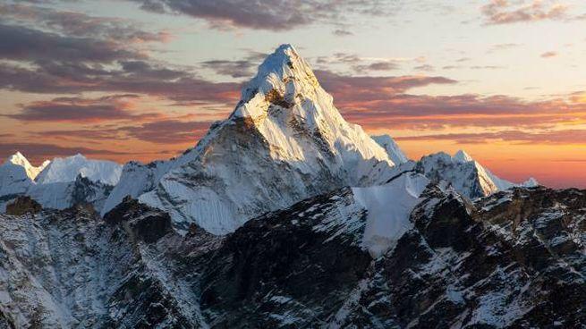 La montagna Ama Dablam, detta il Cervino dell'Himalaya