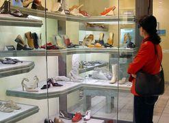 «Calano i consumi e i negozi si arrendono»
