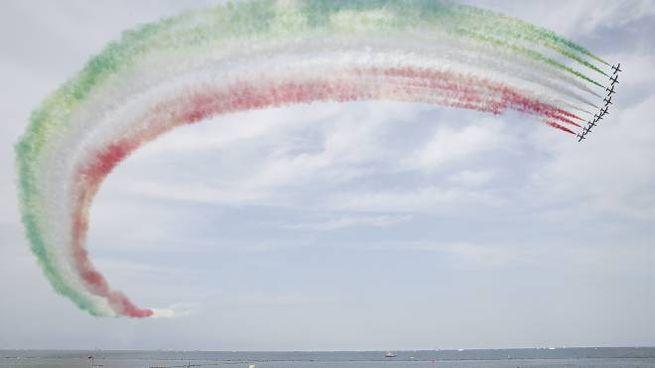 E' la quarta volta che le Frecce Tricolori si esibiscono a Punta Marina (foto Zani)