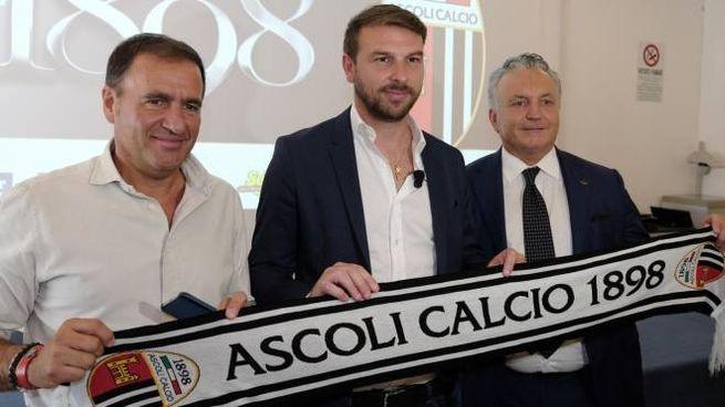Il presidente Giuliano Tosti, il tecnico Paolo Zanetti e il patron Massimo Pulcinelli