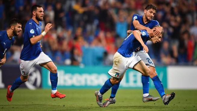 Nicolo Barella esulta dopo aver realizzato il gol 0-1 (Lapresse)