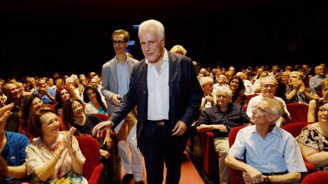 Eugenio Giani al teatro Puccini (Giuseppe Cabras / New Press Photo)