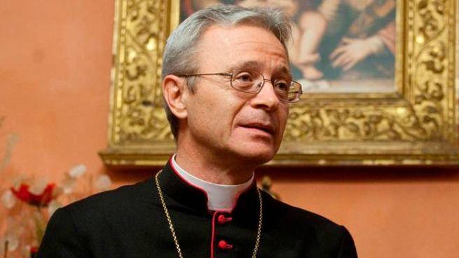 Carpi, il vescovo Cavina dà le dimissioni
