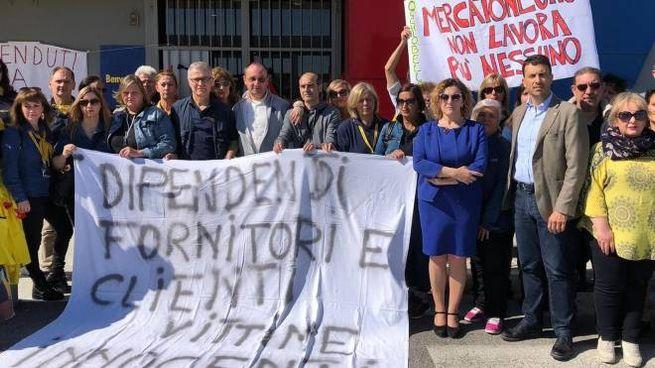 Mercatone Uno, la protesta dei lavoratori a Occhiobello