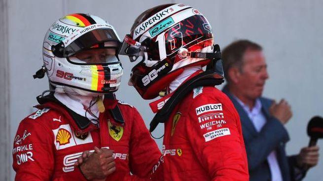 Charles Leclerc e Sebastian Vettel dopo il Gp d'Austria (LaPresse)
