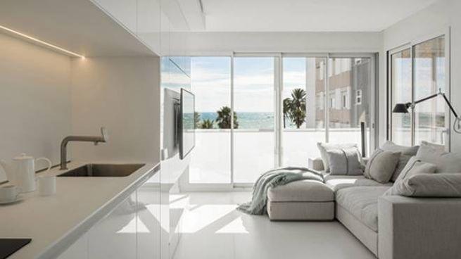 Suite Sea, il restyling di un appartamento al mare