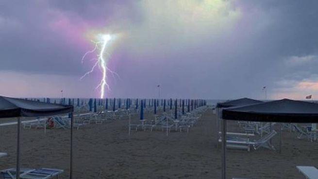 Il fulmine nello scatto di Simone Toccafondi