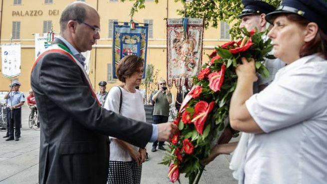 Il sindaco Luca Vecchi alle celebrazioni del 7 Luglio