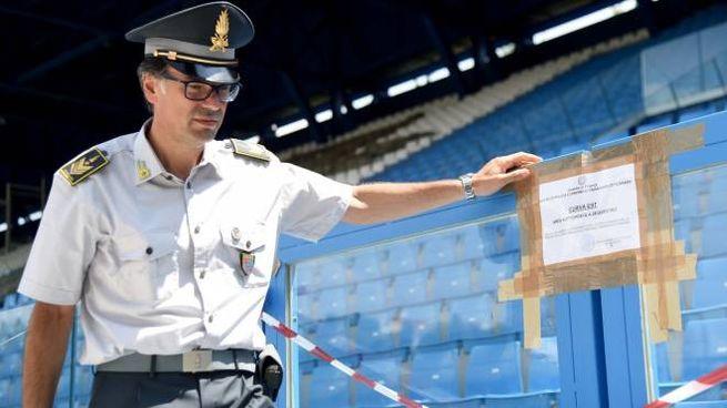La Finanza ieri ha apposto i sigilli allo stadio Mazza