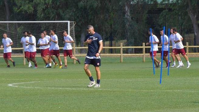 Un momento dell'allenamento del Livorno (Foto Novi)