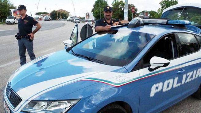 AL LAVORO Sul caso indaga la polizia di Stato