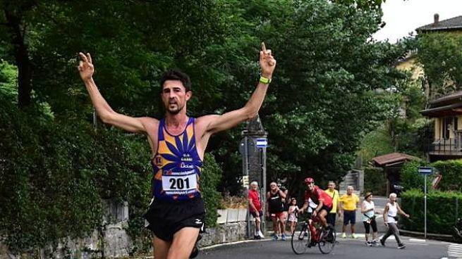 Camminata Berzantina, il vincitore Marco Ercoli (foto Regalami un sorriso onlus)