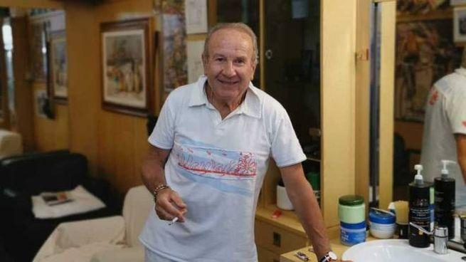 Roberto Nerucci nel suo storico negozio di via Curtatone e Montanara