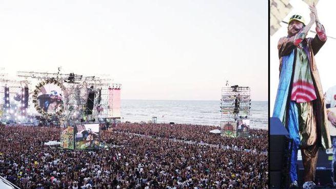 Il Jova Beach Party a Rimini (Foto Petrangeli)