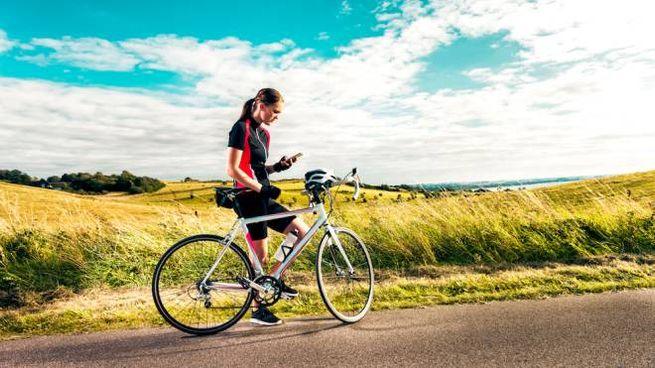 Le app per andare in bicicletta e monitorare percorso e prestazione