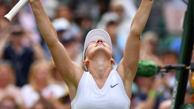 Simona Halep vola in finale a Wimbledon 2019