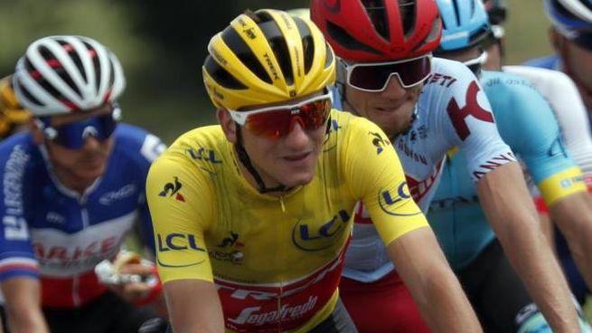 Giulio Ciccone in maglia gialla al Tour de France (Ansa)