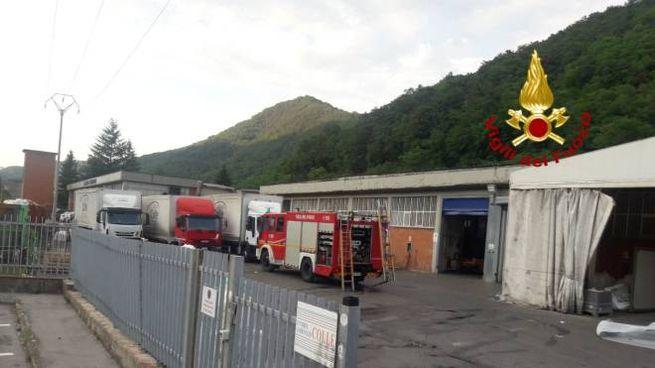 Incendio nell'azienda tessile a Cantagallo
