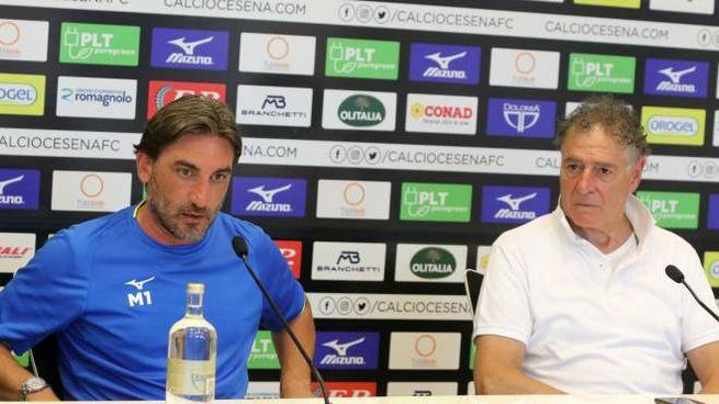 Da sinistra il tecnico Modesto e il presidente Patrignani,  il mister è apparso molto determinato (foto Ravaglia)