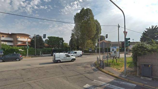 L'incrocio tra via Saronnese, viale Italia e via Locatelli