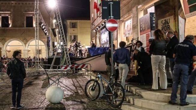 Laura Balocchi è rimasta ferita in un incidente in piazza del Popolo