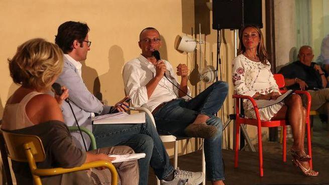 Il sindaco Matteo Ricci intervistato dal capo cronista Roberto Fiaccarini (FotoPrint)