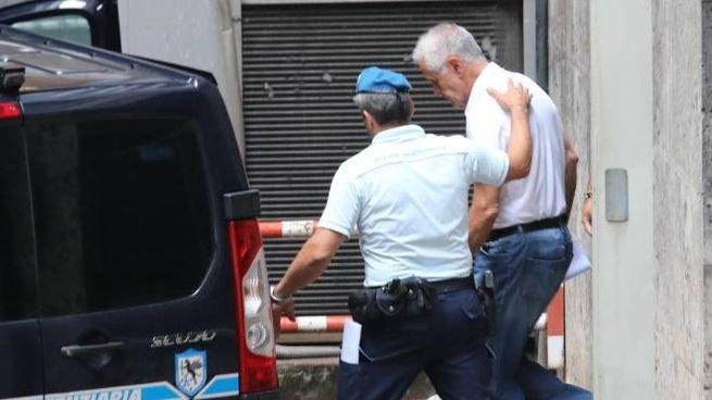 L'ex presidente della Regione Lombardia Roberto Formigoni lascia il tribunale di  Milano