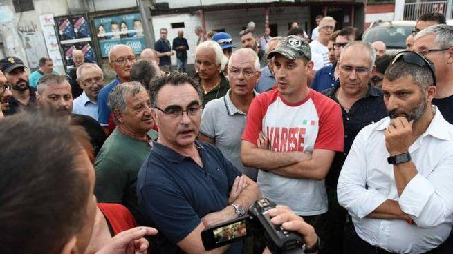 Claudio Benecchi, presidente del Varese, durante l'incontro con i tifosi