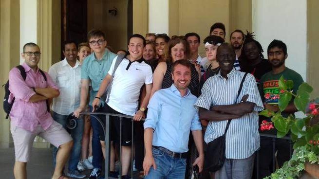 il gruppo con il sindaco Falchi