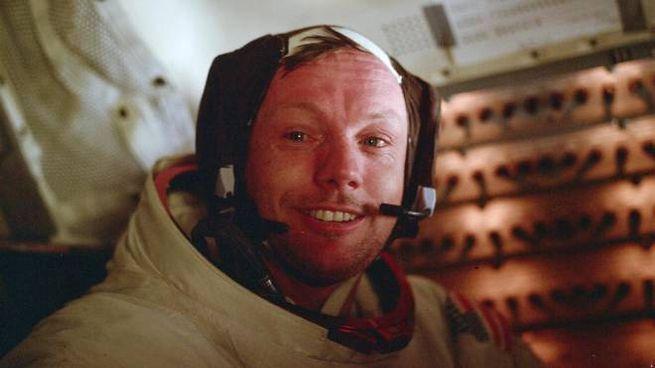 Neil Armstrong dopo la passeggiata lunare (Nasa)