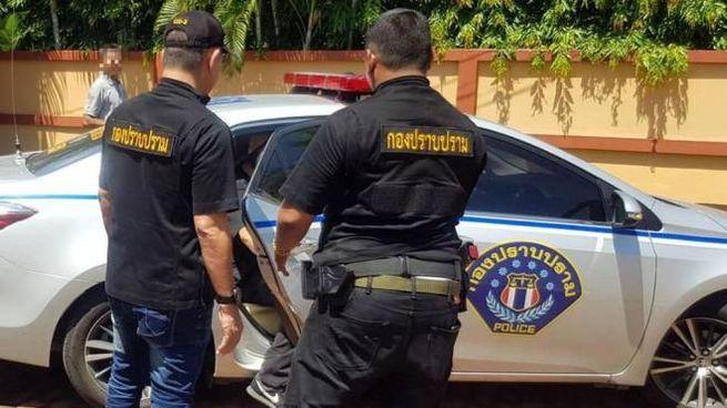 Un momento dell'arresto di Francesco Galdelli e Vanja Goffi (Foto Ansa)