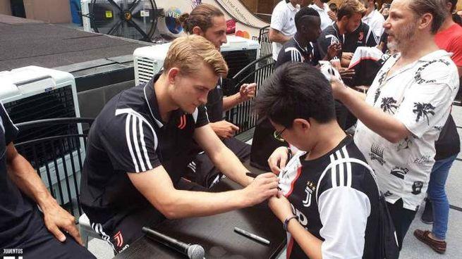 Entusiasmo per de Ligt e la Juventus a Singapore