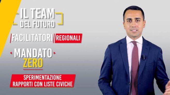 Luigi Di Maio sul Blog delle Stelle presenta il 'mandato zero' (Ansa)