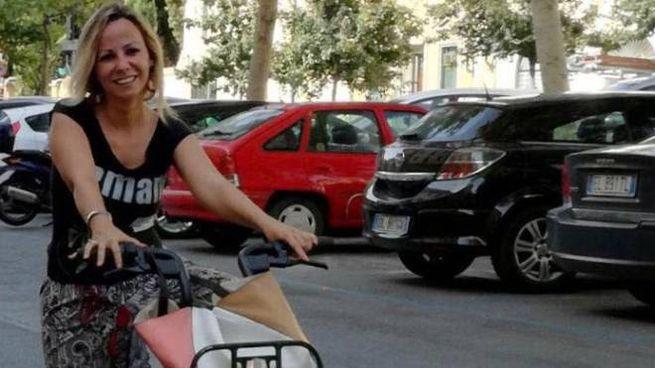 L'assessore Cecilia Del Re in bicicletta
