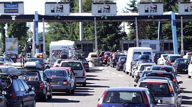Esodo e code ai caselli autostradali (Fkd)